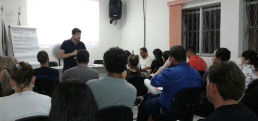 Imagem da última oficina Fluxo de Caixa, realizada em março no Sincomercio