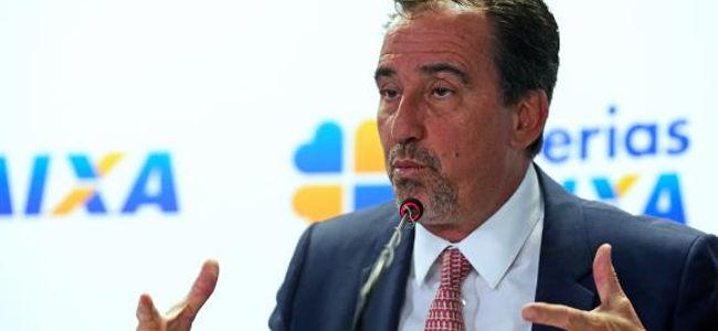 Occhi, durante apresentação do balanço dos pagamentos das contas inativas do FGTS (foto: José Cruz/Agência Brasil)